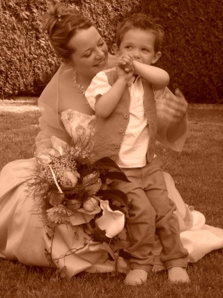 22 MAI 2010, mon mariage - 1 gosse et 10 kilos en moins... Mariag12
