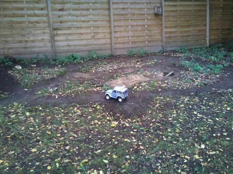 Un petit parcours trial dans mon jardin Dsc_0210