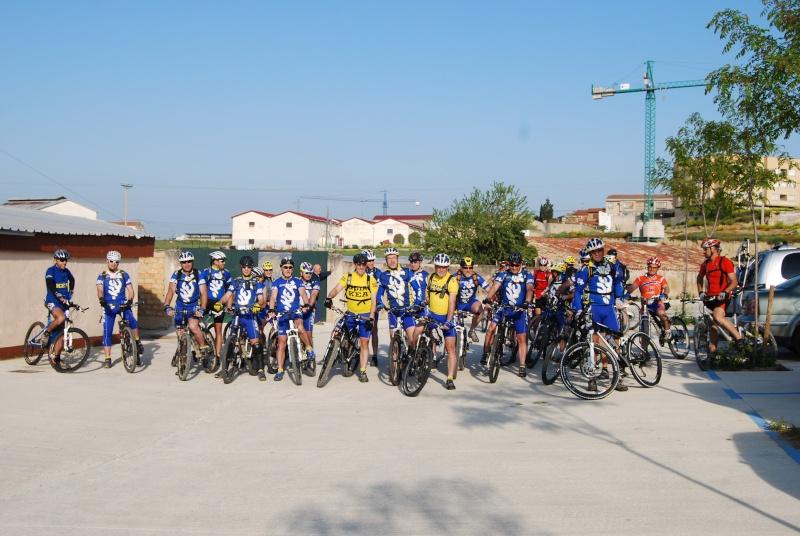 Fotos de los amigos que han visitado el Reino como dice Serbike Dsc_0011