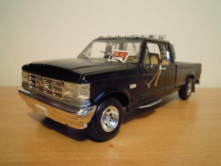 Ford F250 7,5L (monogram) 16417310