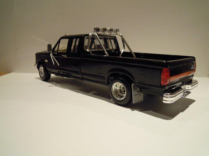 Ford F250 7,5L (monogram) 16885310