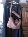 Une 1ère oeuvre : cape, sac, fourreau et bourse. Sp_a0510