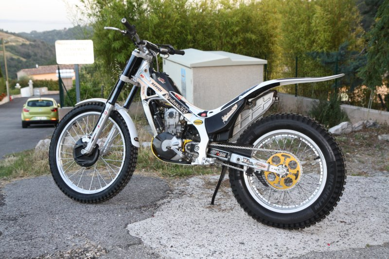 Vend Montesa cota 4RT future trial team   Img_0810