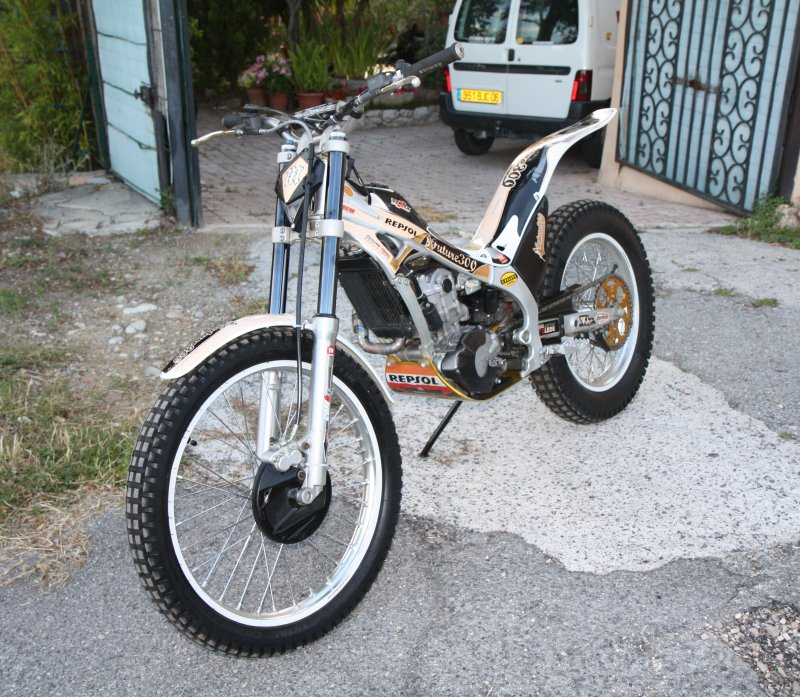 Vend Montesa cota 4RT future trial team   Img_0811