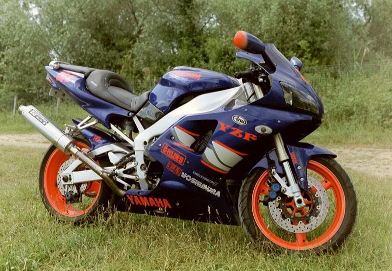 Vos plus belles photos de moto - Page 5 Imm02210