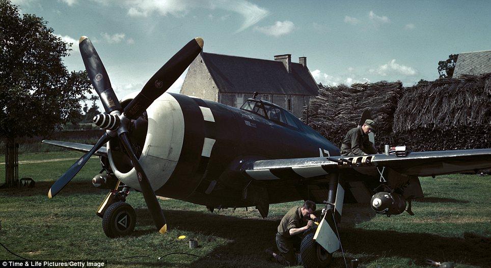 North American P-51 Mustang en quelques mots . P-47-t10