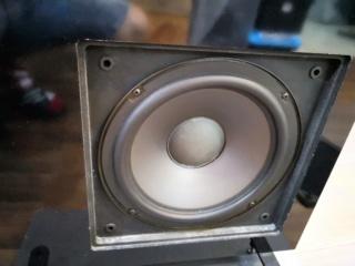 NHT VT2 Floorstand Speakers Img_2026