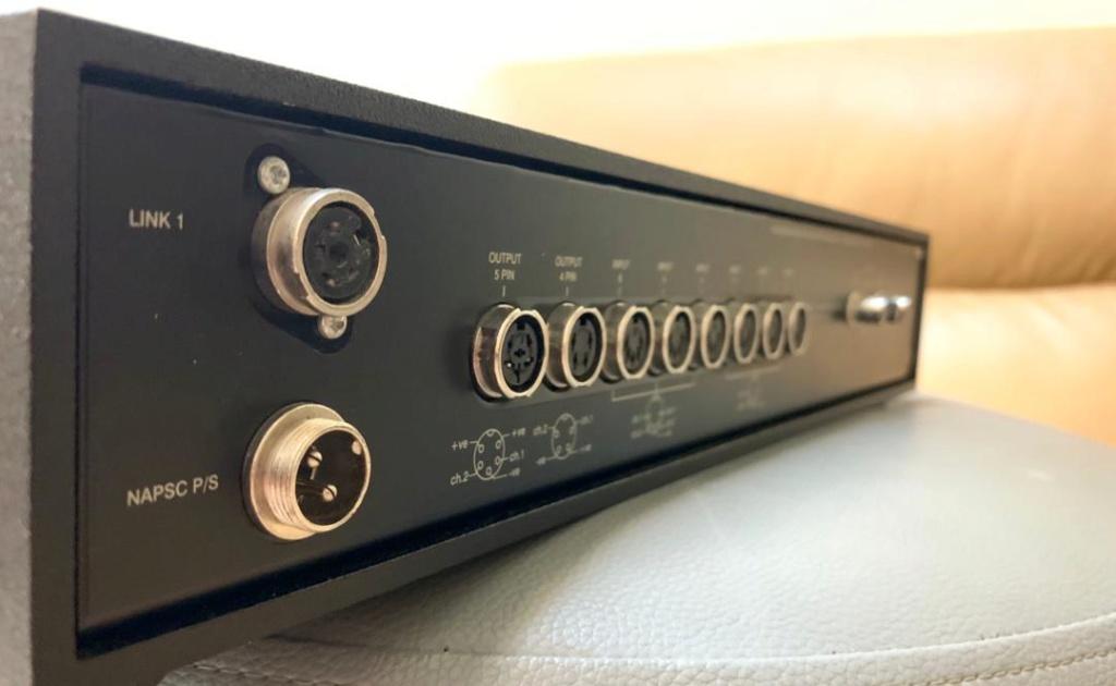 Naim NAC 102 //+ MC phono stage//+ BLACK SNAIC//+ Grey Interconnect //+NAPSC// 210