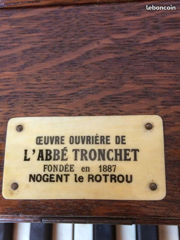 Harmonium Abbé Tronchet. Tronch11