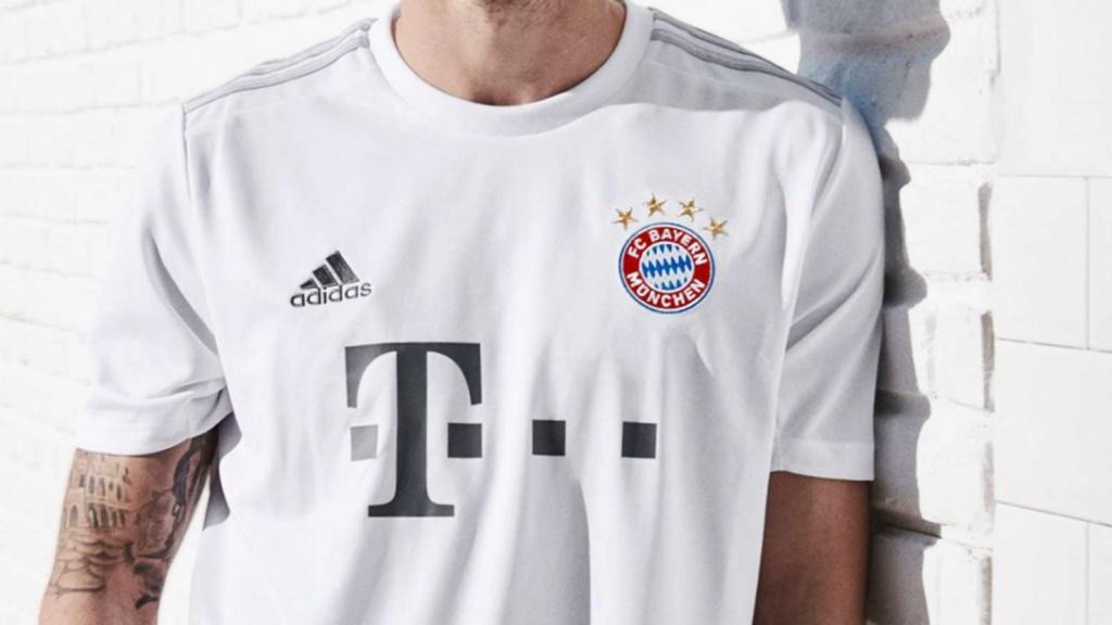 Maillot saison 2019-2020   Bayern11