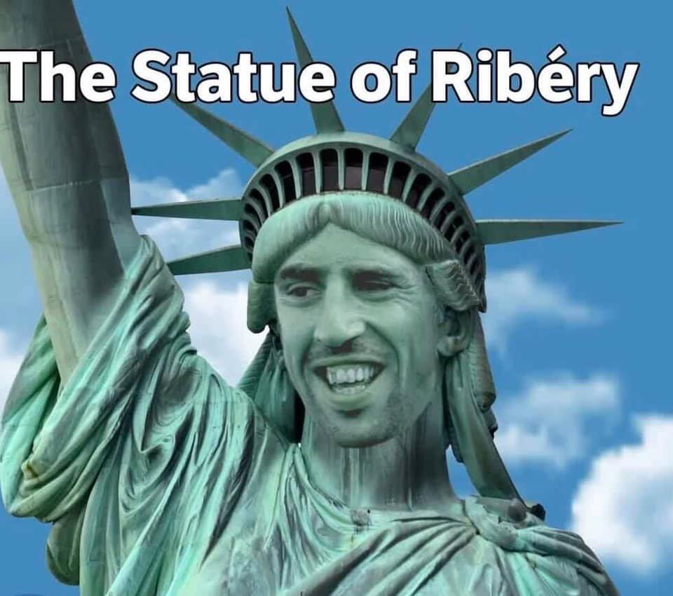 [7] [Mittelfeld] Franck #Ribéry  - Page 44 Dvc8sb10