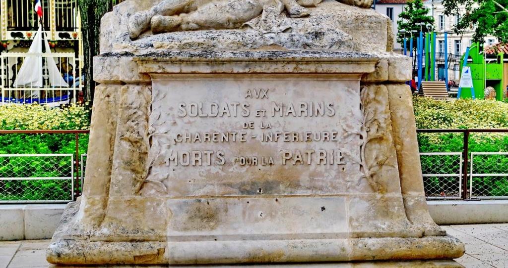 [ Histoires et histoire ] Monuments aux morts originaux Français Tome 2 - Page 8 1er_so51