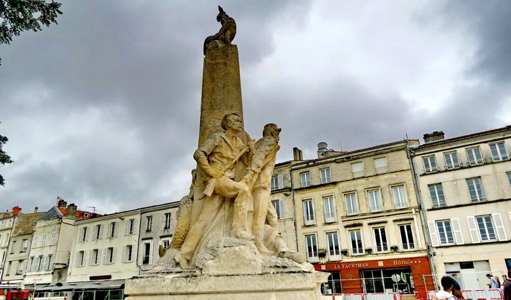 [ Histoires et histoire ] Monuments aux morts originaux Français Tome 2 - Page 8 1er_so54