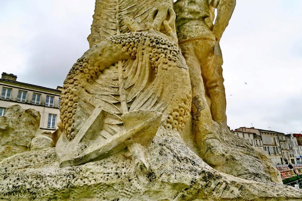 [ Histoires et histoire ] Monuments aux morts originaux Français Tome 2 - Page 8 1er_so57