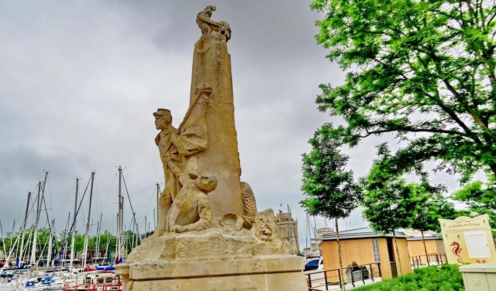 [ Histoires et histoire ] Monuments aux morts originaux Français Tome 2 - Page 8 1er_so59