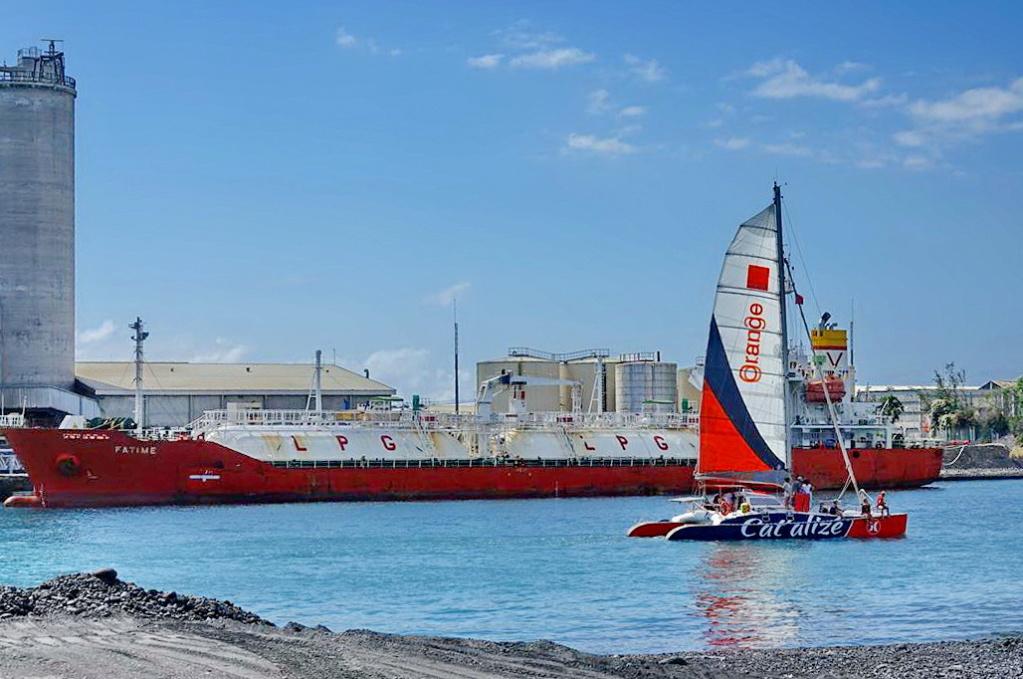 [Vie des ports] Les ports de la Réunion - Page 14 Dos_d202