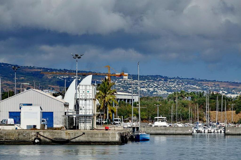 [Vie des ports] Les ports de la Réunion - Page 14 Dos_d216