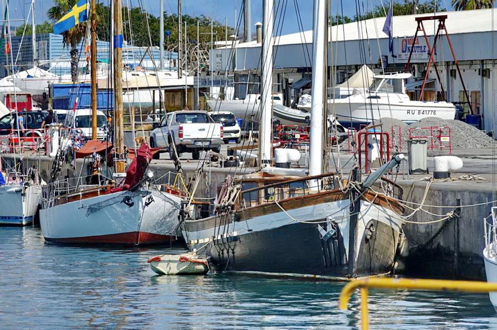 [Vie des ports] Les ports de la Réunion - Page 14 Dos_d221