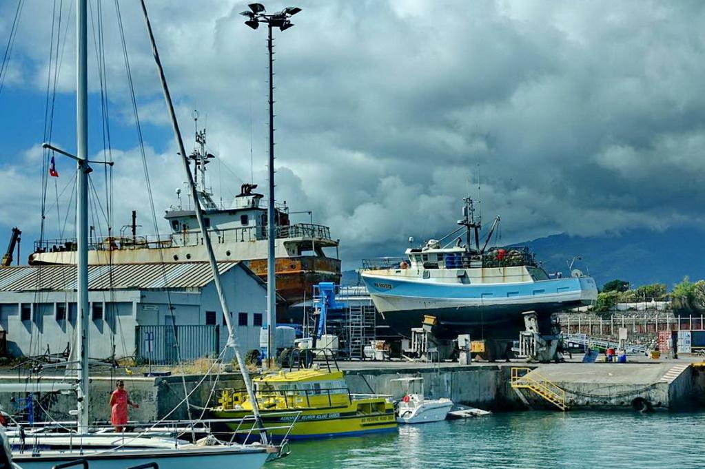 [Vie des ports] Les ports de la Réunion - Page 14 Dos_d232