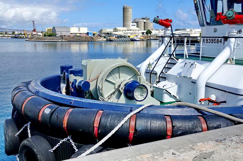 [Vie des ports] Les ports de la Réunion - Page 13 Dos_d_95