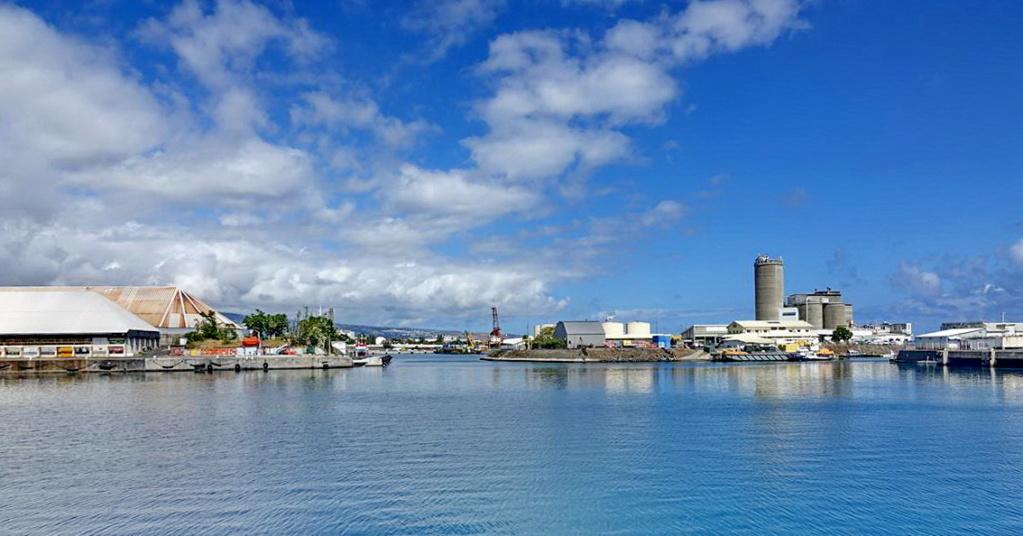 [Vie des ports] Les ports de la Réunion - Page 13 Dos_d_97