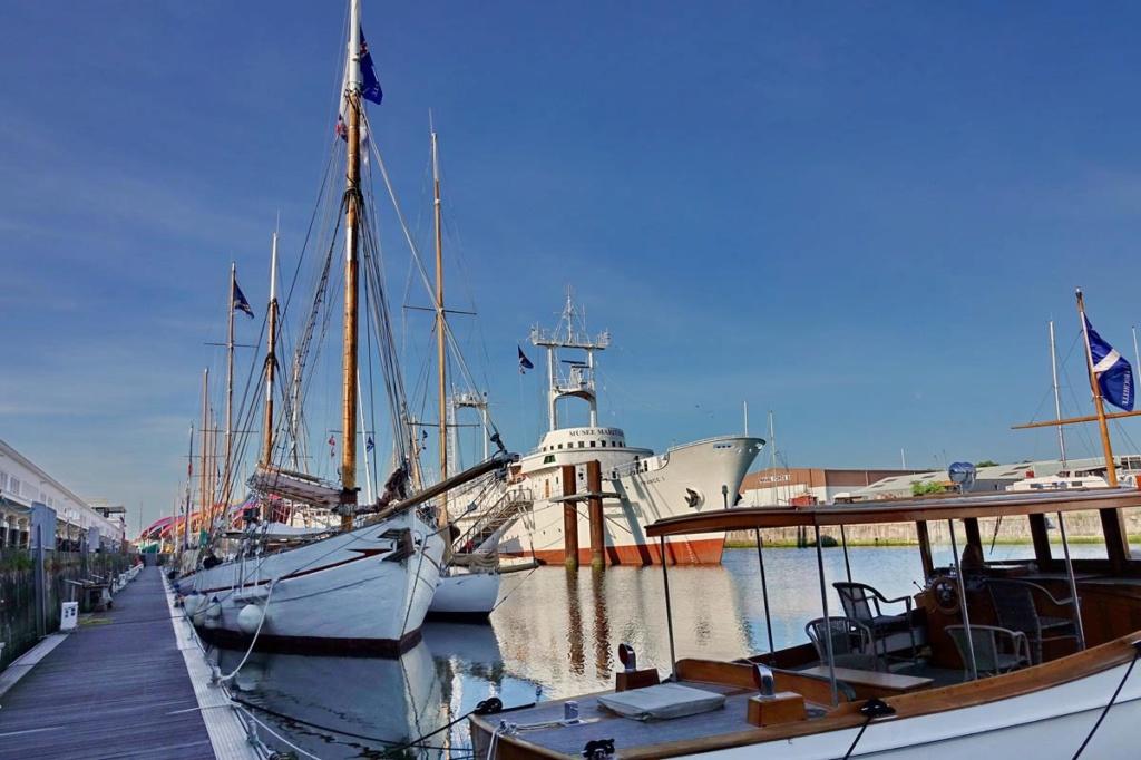 [Vie des Ports ] Port de La Rochelle  Ile_d106