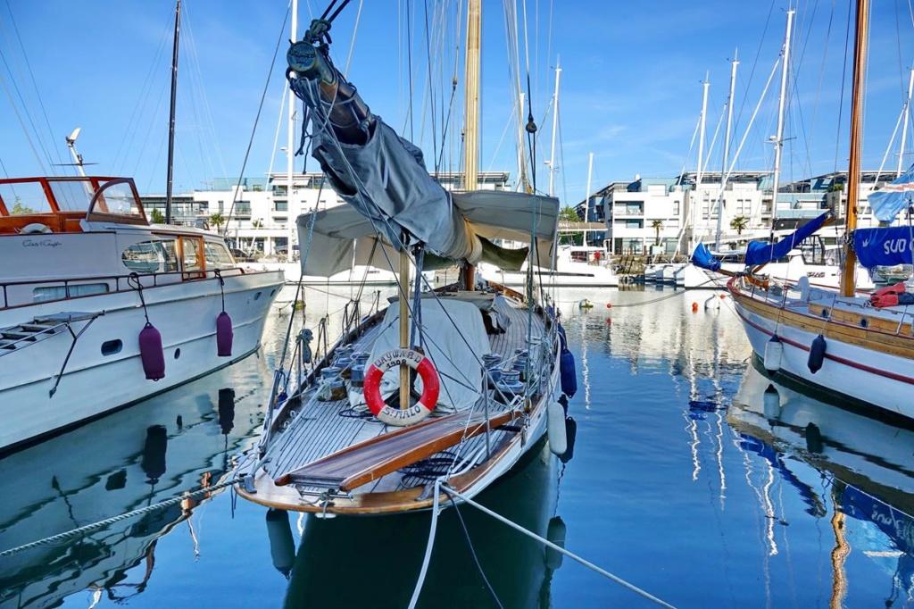 [Vie des Ports ] Port de La Rochelle  Ile_d111