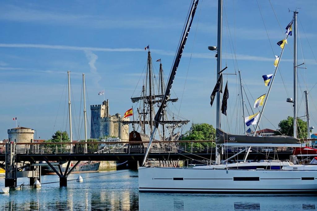 [Vie des Ports ] Port de La Rochelle  Ile_d113