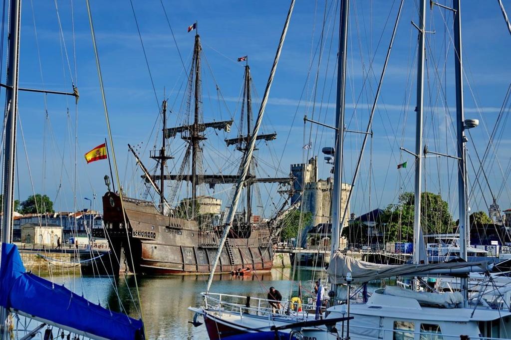 [Vie des Ports ] Port de La Rochelle  Ile_d118