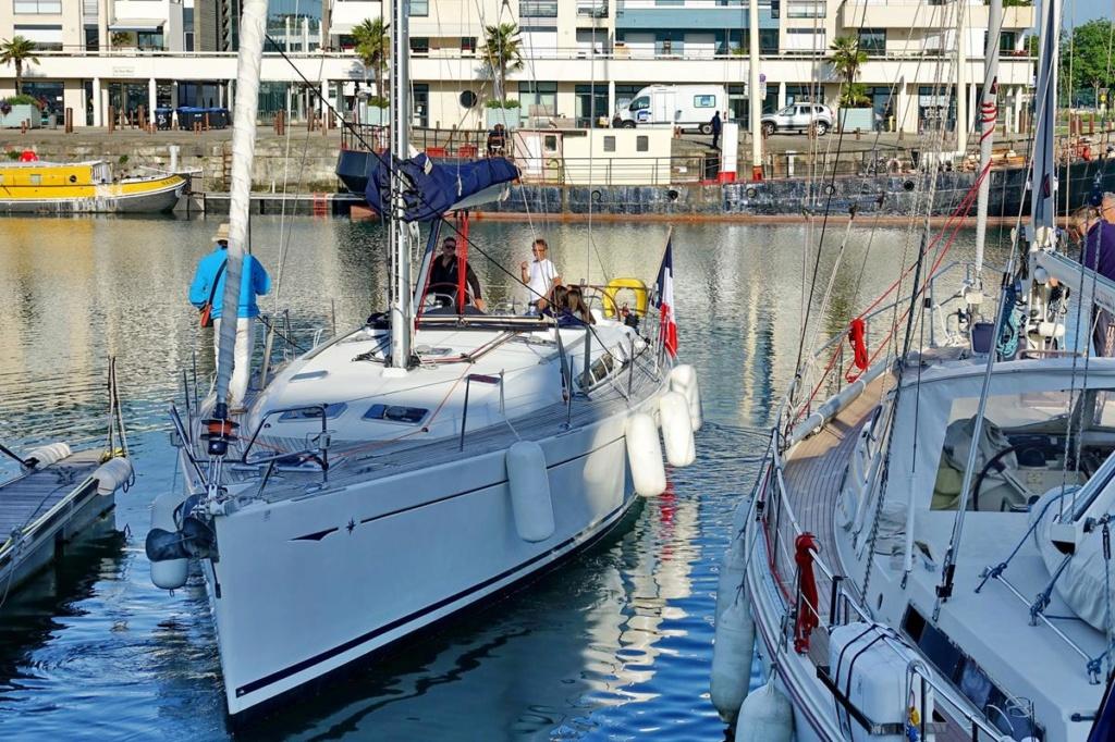 [Vie des Ports ] Port de La Rochelle  Ile_d120