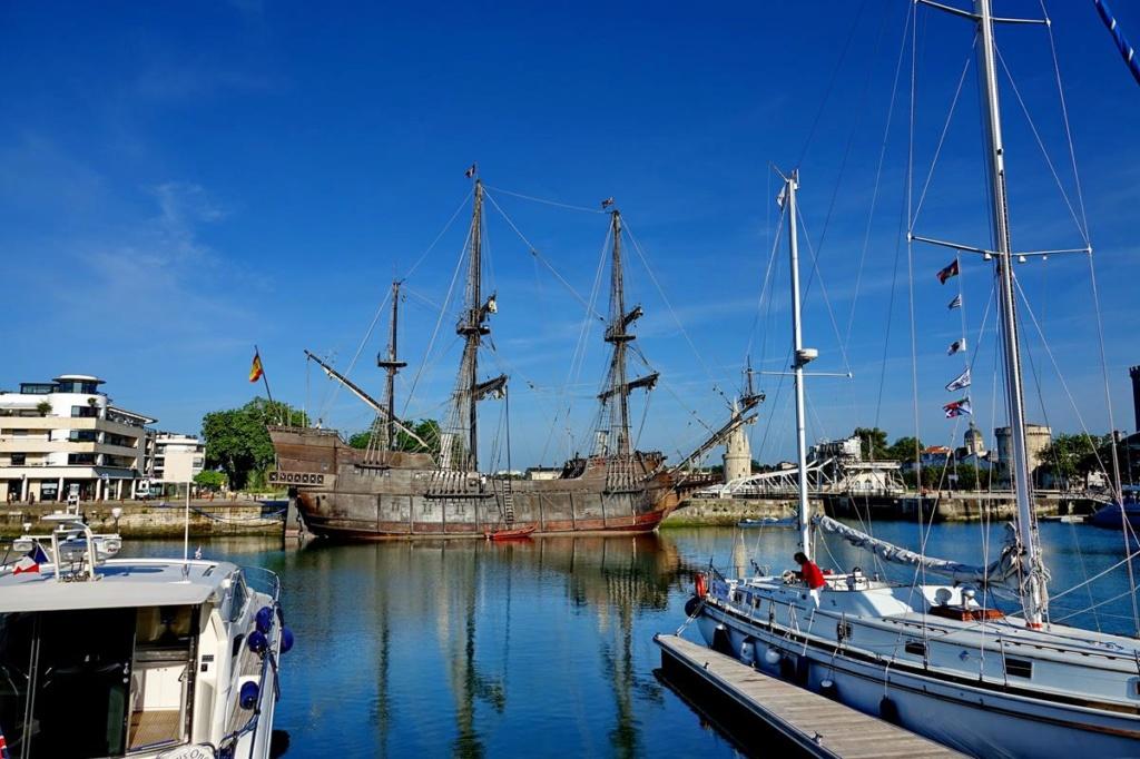 [Vie des Ports ] Port de La Rochelle  Ile_d121