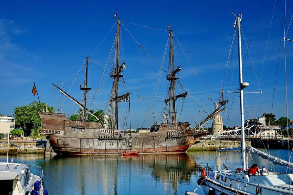 [Vie des Ports ] Port de La Rochelle  Ile_d122