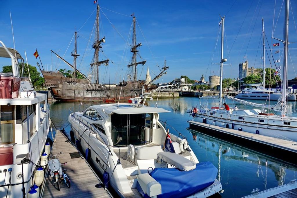 [Vie des Ports ] Port de La Rochelle  Ile_d123