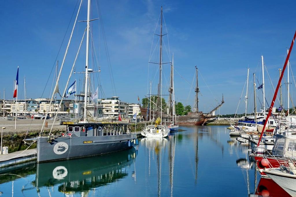 [Vie des Ports ] Port de La Rochelle  Ile_d154