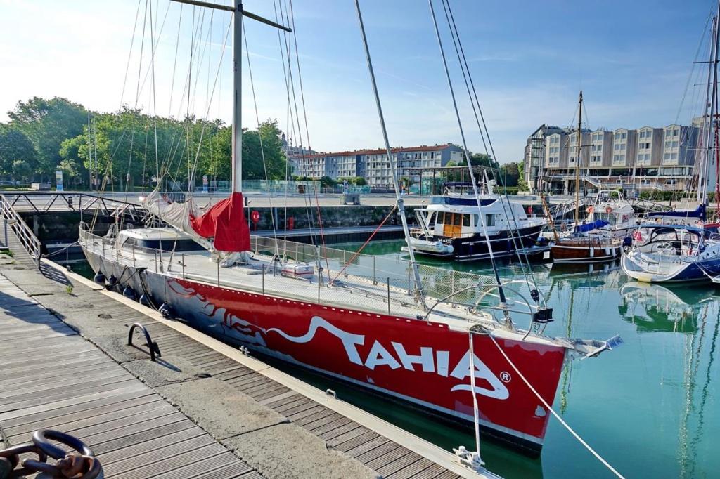 [Vie des Ports ] Port de La Rochelle  Ile_d159