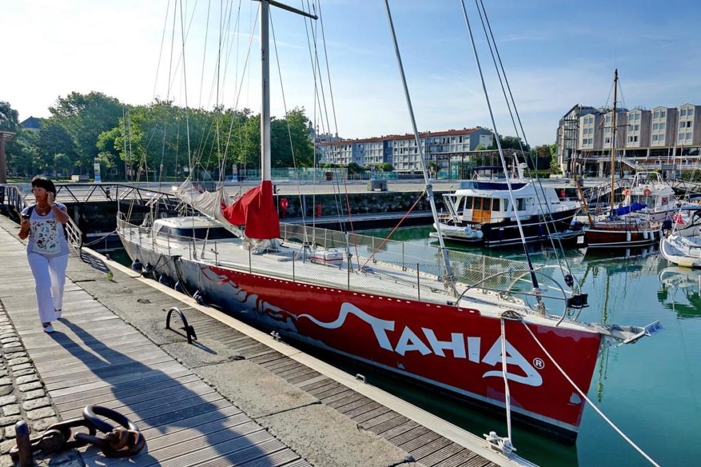[Vie des Ports ] Port de La Rochelle  Ile_d160