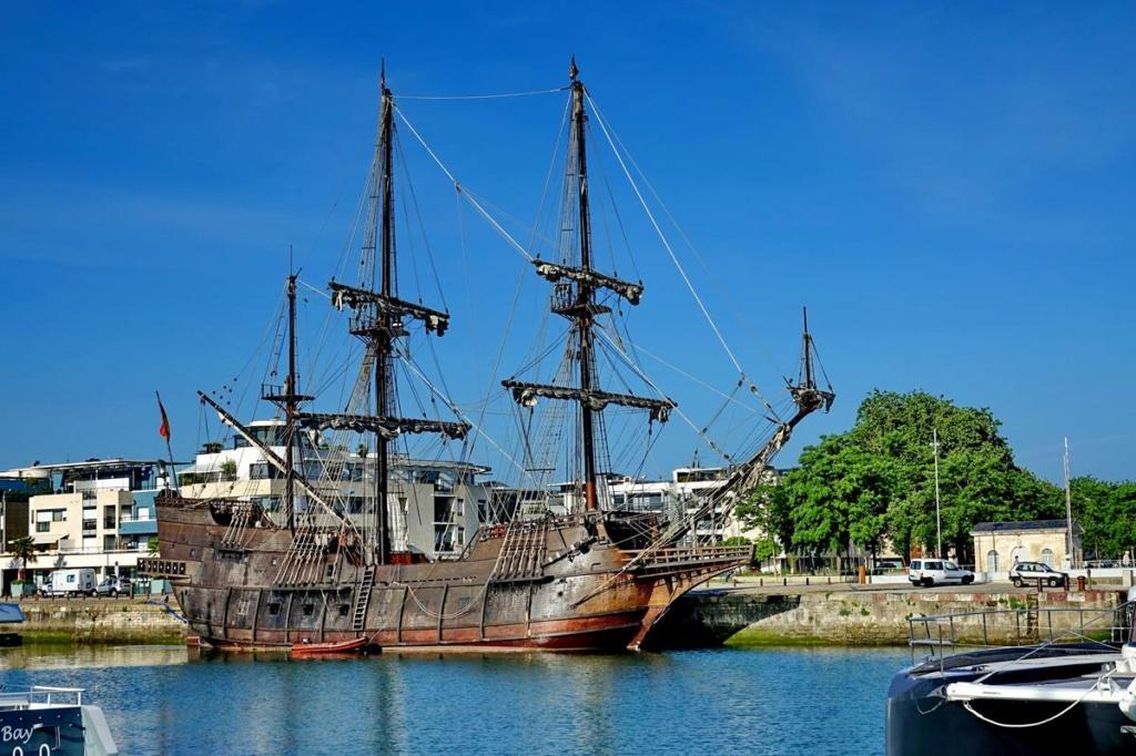 [Vie des Ports ] Port de La Rochelle  Ile_d173
