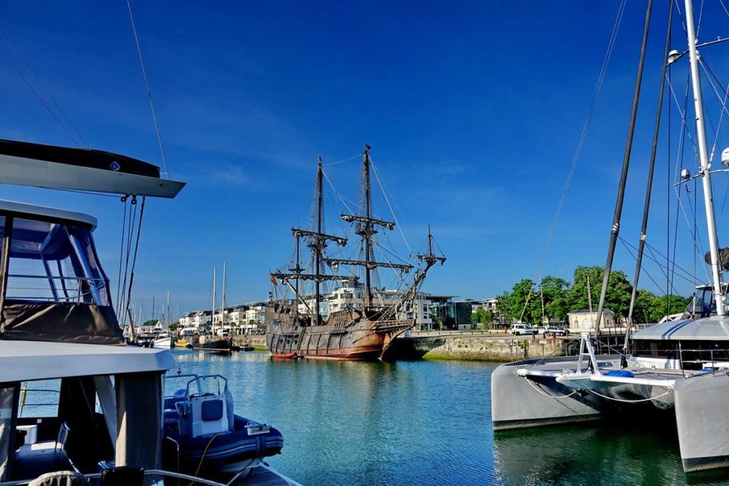 [Vie des Ports ] Port de La Rochelle  Ile_d176