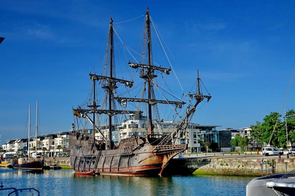 [Vie des Ports ] Port de La Rochelle  Ile_d179