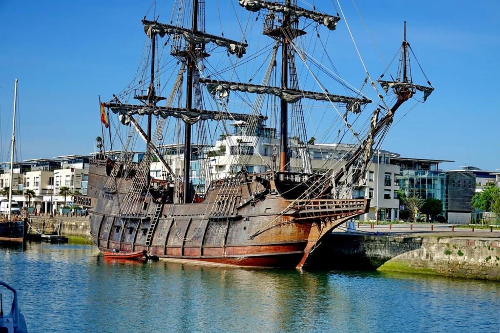 [Vie des Ports ] Port de La Rochelle  Ile_d180