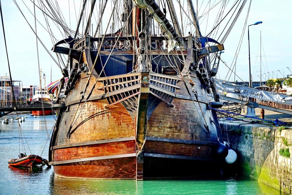 [Vie des Ports ] Port de La Rochelle  Ile_d183