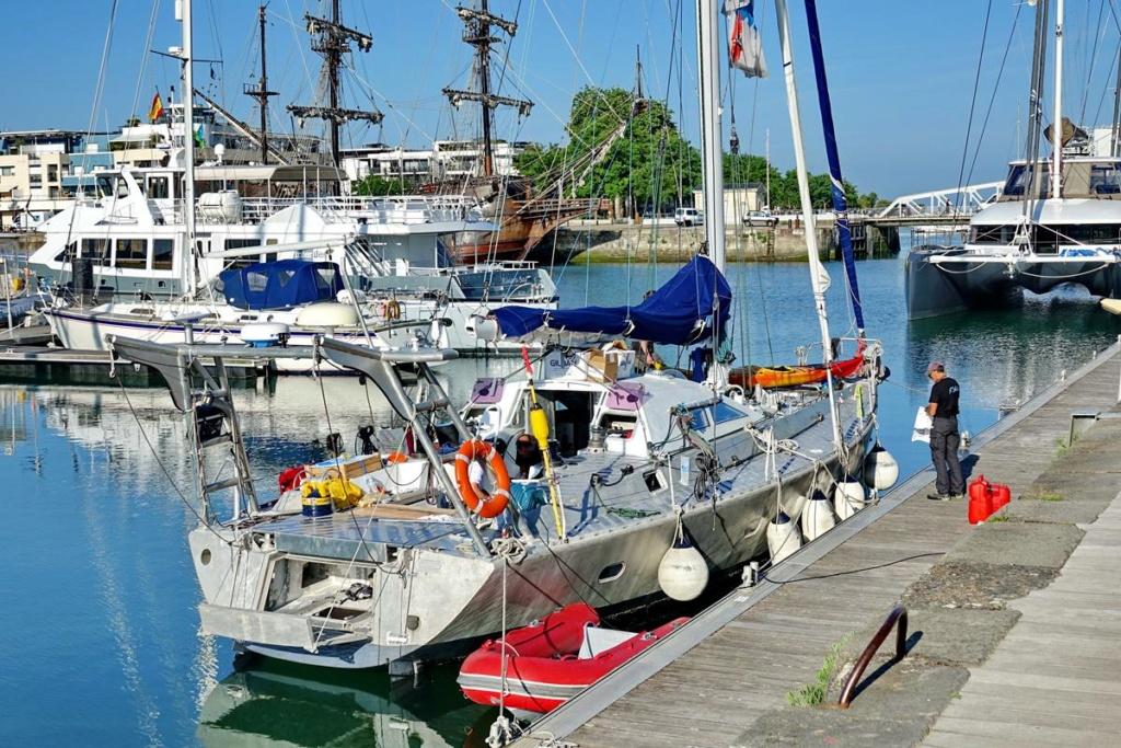[Vie des Ports ] Port de La Rochelle  Ile_d184