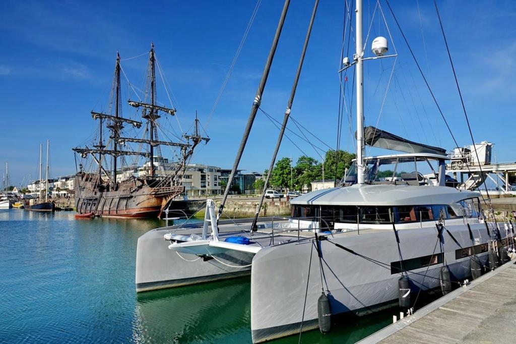 [Vie des Ports ] Port de La Rochelle  Ile_d224