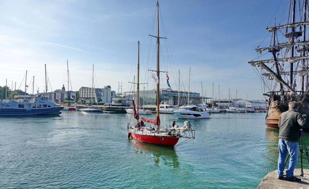 [Vie des Ports ] Port de La Rochelle  Ile_d248