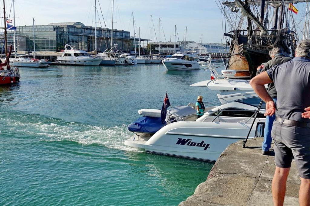[Vie des Ports ] Port de La Rochelle  Ile_d249