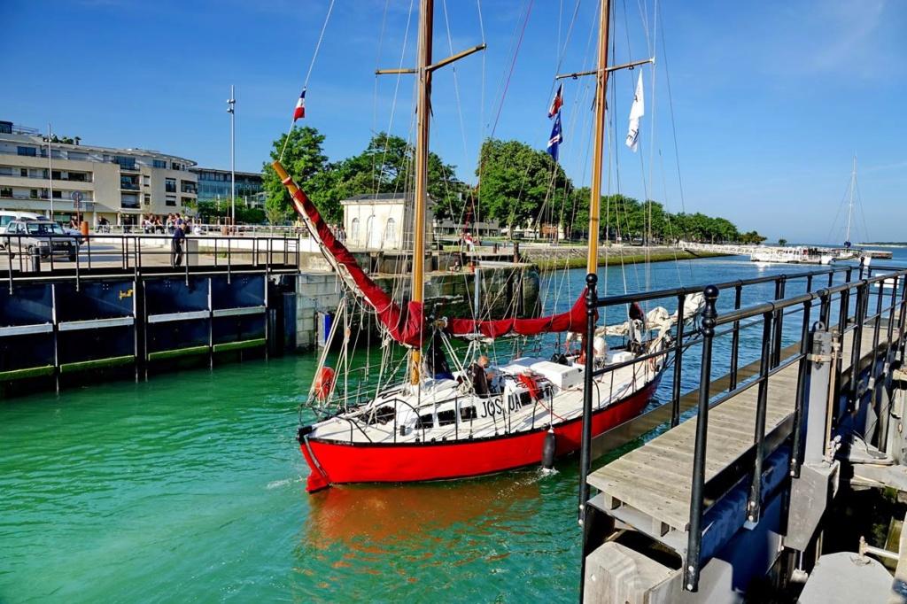 [Vie des Ports ] Port de La Rochelle  Ile_d256