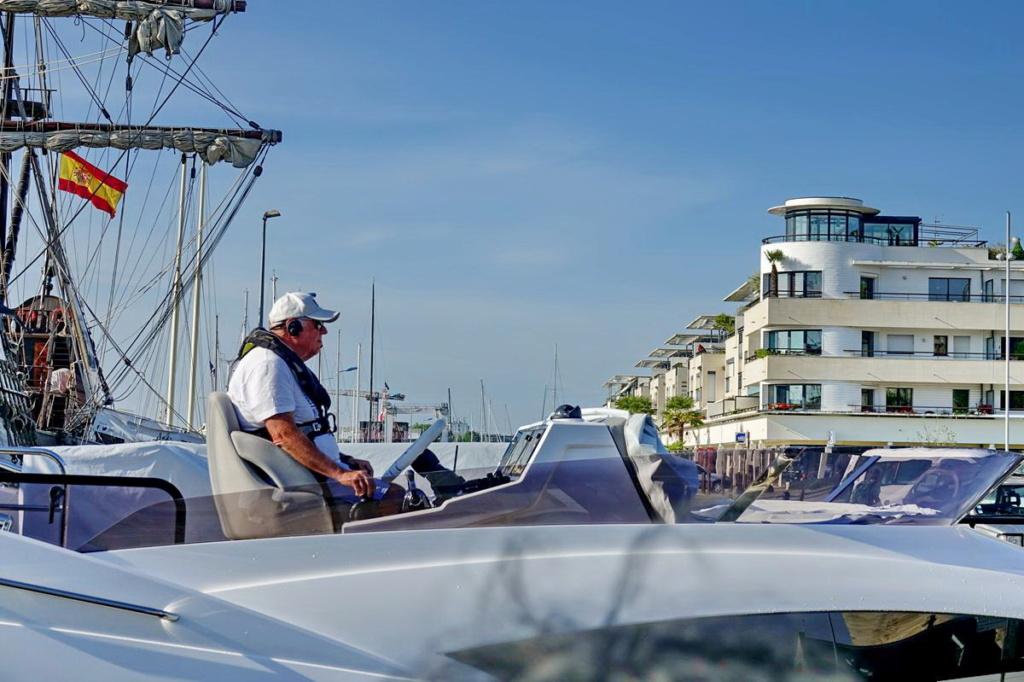 [Vie des Ports ] Port de La Rochelle  Ile_d280