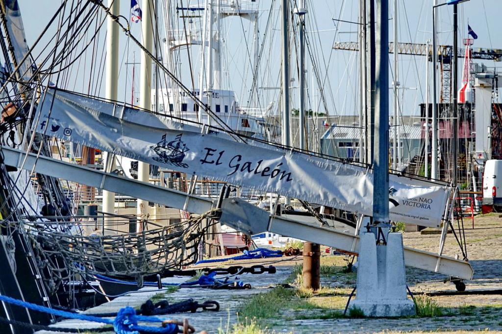 [Vie des Ports ] Port de La Rochelle  Ile_d284
