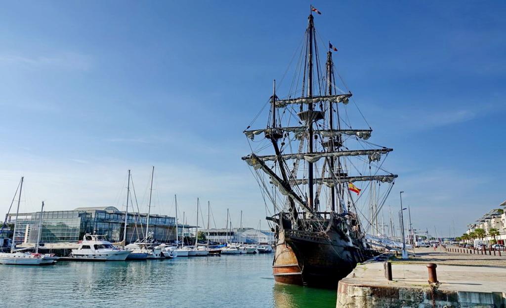 [Vie des Ports ] Port de La Rochelle  Ile_d285