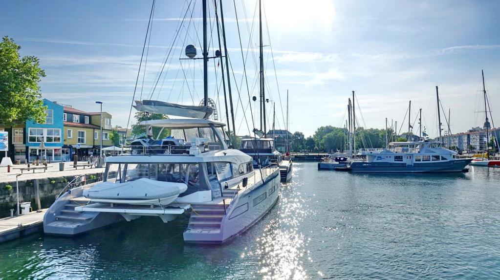 [Vie des Ports ] Port de La Rochelle  Ile_d286